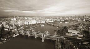 Горизонт Лондона увиденный от глаза Лондона Стоковые Фотографии RF