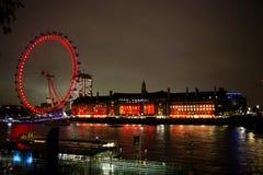 Горизонт Лондона через Темзу Стоковое Изображение