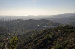 Горизонт Лос-Анджелеса в расстоянии 6 Стоковая Фотография RF