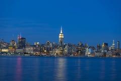 Горизонт Манхаттана над Гудзоном rive в Нью-Йорке Стоковая Фотография