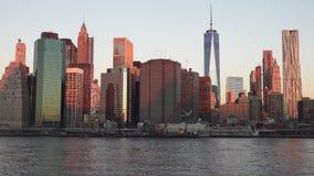Горизонт Манхэттена с Эмпайр-стейт-билдинг над Гудзоном, Нью-Йорком 2019 стоковые фотографии rf