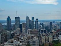 Горизонт Монреаля, Квебека, Канады стоковая фотография