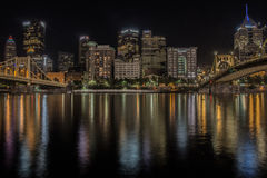 Горизонт ночи Питтсбурга Стоковая Фотография RF