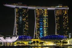 Горизонт ночи Сингапура Стоковые Изображения