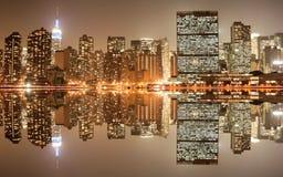 горизонт ночи manhattan Стоковая Фотография RF