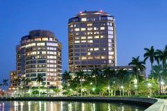 Горизонт ночи West Palm Beach, Флориды стоковое фото rf