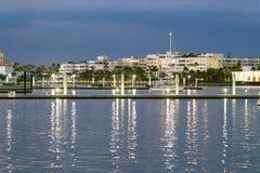 Горизонт ночи West Palm Beach, Флориды стоковые фотографии rf