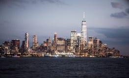 Горизонт Нью-Йорка с городскими небоскребами стоковые изображения rf