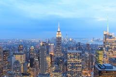 Горизонт Нью-Йорка с городскими небоскребами Стоковая Фотография
