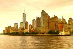 Горизонт Нью-Йорка увиденный от залива Гудзона Стоковое фото RF
