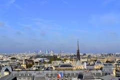 Горизонт Парижа от Нотр-Дам de Парижа Стоковая Фотография RF