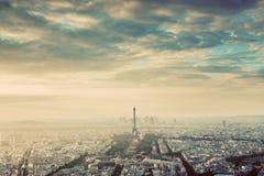 Горизонт Парижа, Франции винтажный, панорама Эйфелева башня, Чемпион de Марс Стоковая Фотография