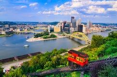 Горизонт Питтсбурга Пенсильвании стоковое изображение rf