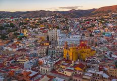 Горизонт после захода солнца, Мексика города Гуанахуата стоковые фотографии rf