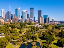 Горизонт Сиднея и ботанический сад Стоковое фото RF