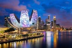 Горизонт Сингапура на Солнце вниз стоковое изображение