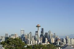 Горизонт Сиэтл с иглой космоса стоковые фото