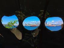 Горизонт Сиэтл взгляда иллюминатора стоковое фото rf