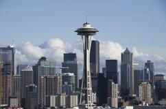 Горизонт Сиэтл с иглой космоса стоковое фото rf
