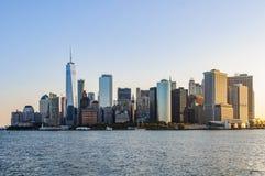 Горизонт сразу после восхода солнца, Нью-Йорк Манхаттана, США Стоковое Фото