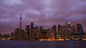 Горизонт Торонто на ноче стоковое фото rf
