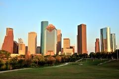 Горизонт Хьюстона городской загоренный на заходе солнца Стоковые Изображения RF