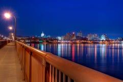 Горизонт Harrisburg, Пенсильвании на заходе солнца Стоковые Фотографии RF