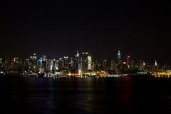 Горизонт NY на ноче Стоковое фото RF