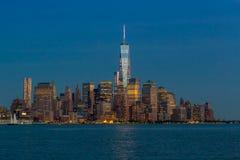 Горизонт NYC на голубом сумерк Стоковая Фотография RF