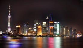 горизонт shanghai ночи Стоковые Изображения RF