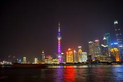 горизонт shanghai ночи стоковое изображение rf