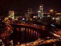 горизонт vilnius ночи города Стоковая Фотография