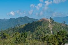 Гористая граница которая отделяет Таиланд - Мьянму на angk doi Стоковое Фото