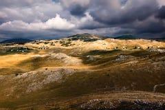 Гористая местность - ландшафт горы в Черногории стоковая фотография rf
