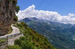 Гористая дорога в Tzoumerka, Epirus, Греции Стоковое Изображение