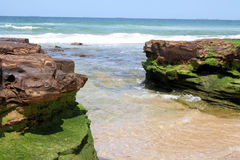 Горная порода на пляже Стоковое Изображение RF