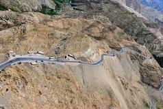 Горная цепь атласа и дорога стоковая фотография rf