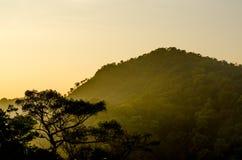 Горная цепь в национальном парке Mae Moei Стоковые Фотографии RF