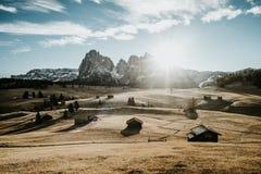 Горная цепь на восходе солнца Стоковое Фото