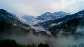 Горная цепь Guptkashi, Uttarakhand Стоковые Фотографии RF