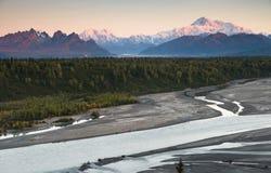 Горная цепь Mt McKinley Аляска Северная Америка Denali стоковые изображения