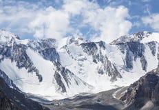 Горная цепь Snowy, Кыргызстан Стоковое Изображение
