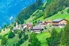 Горное село Альпов в Италии Стоковое Изображение RF