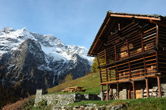 горное село дома Стоковое фото RF