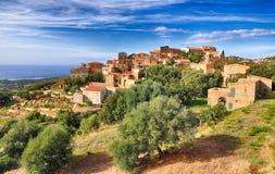 Горное село Pigna Корсика стоковые изображения