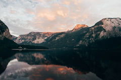 Горные вершины Hallstatt Стоковая Фотография RF
