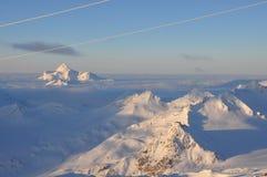 Горные пики в снеге Стоковое фото RF