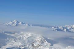 Горные пики в снеге Стоковое Изображение RF