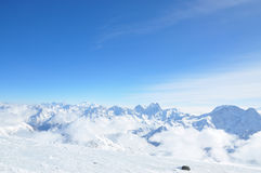 Горные пики в снеге Стоковое Фото