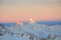 Горные пики в снеге Стоковые Фото